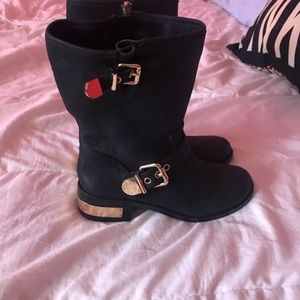 Auth- Vince camuto boots on sale now 🔥🔥🔥🔥🔥